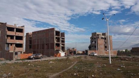 Hermoso Terreno En Muy Buena Ubicacion De Jose Luis Bustamante Y Rivero