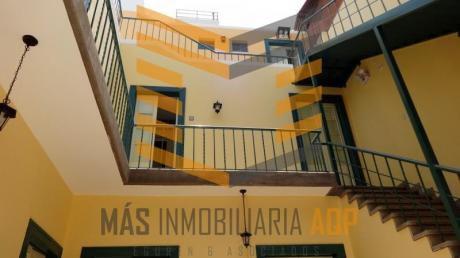 Se Vende Hospedaje Para Turistas A 4cdras De La Plaza De Arequipa