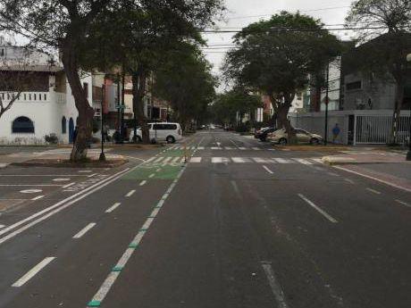 Se Venden 3 Casas Juntas En Condominio Cuadra 5 De Dos De Mayo - San Isidro