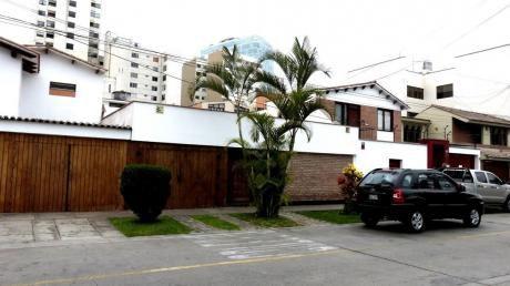 Finisima Casa En Venta Con Exquisitos Acabados En Venta Frente A Parque