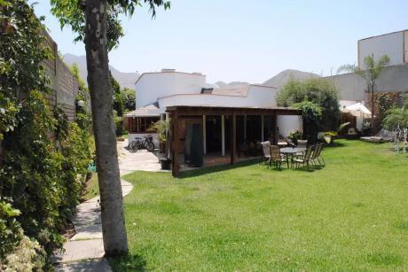 Alquilo Amplia Casa 1,700 M2 Rinconada Baja