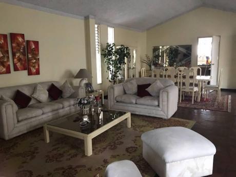 Hermosa Casa Av Larco Trujillo - Precio Negociable