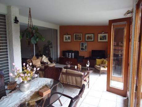 Venta De Casa Excelente Distribución - San Borja