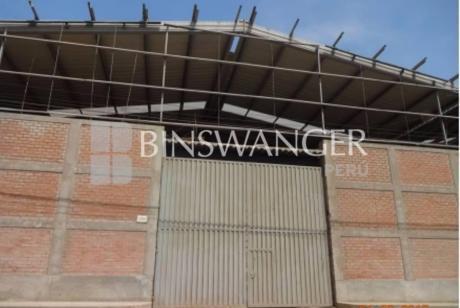Alquiler/venta De Local Industrial Desde 1,300 M2 En Calle Las Gardenias - Lurín