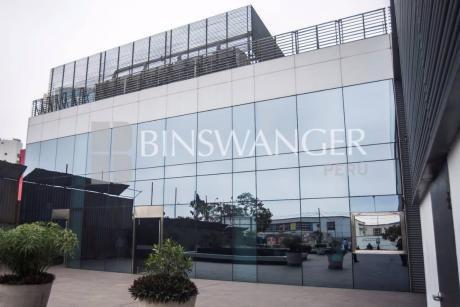 Alquiler De Local Comercial De 376 M2 En Edificio Plaza República - San Isidro