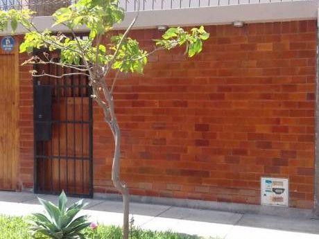 Venta De Casa - Cerca A U. Catolica - Urb. Santa Emma - Cercado De Lima