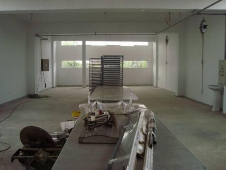 Excelente Edificio A 4 Cuadras Del Aeropuerto De Iquitos