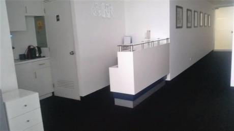 Oficina Implementada Y Equipada Cerca A Embajada Eeuu