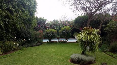 Excelente Cs Estilo Mediterráneo Zona/cerrada Con Parques Cerca Wong