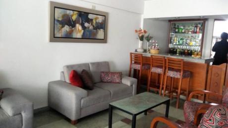 Vendo Hotel Tres Estrellas, Cerca Al Parque Kenedy Y En Funcionamiento.