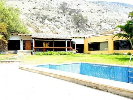 Vendo Casa En Calle El Pinar, La Planicie Id 44061