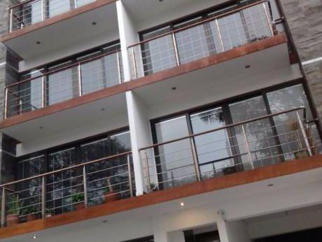 Alquiler De Departamento En San Isidro, Av Dos De Mayo