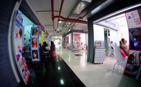 Venta De Locales De Estreno En Galeria Barrio Chino - Calle Capon - Piso 03 Y 04