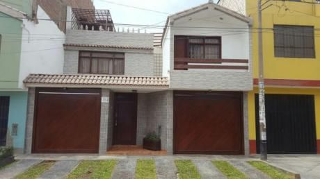 Re/max Vende Hermosa Casa En Zona Segura En San Martín De Porres
