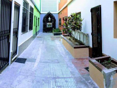 Re/max Vende Casa Céntrica En La Victoria
