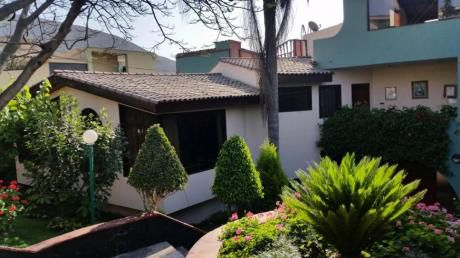 Vendo Hermosa Casa Calle La Chalana, Laguna De La Molina, La Molina