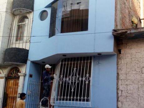 Hermosa Casita Miraflores 4 Habitaciones Tres Pisos De Construccion