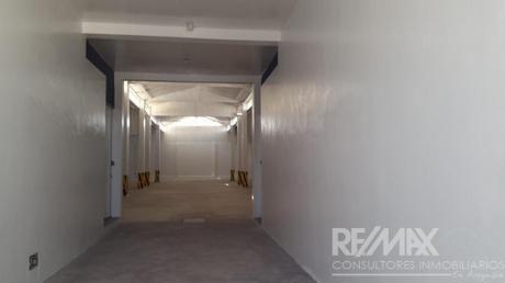 Alquilo Amplio Almacen Techado Con Oficinas Parque Industrial Rio Seco