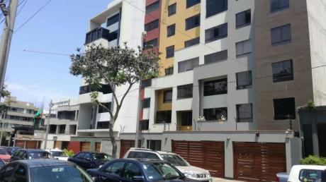 Se Vende Departamento A Pocas Cuadras Del Ovalo De Miraflores
