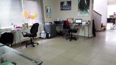 Casa Para Oficina En Alquiler En Magdalena, Impecable, Licencia