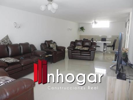 Venta De Hermosa Casa De Tahuaycani