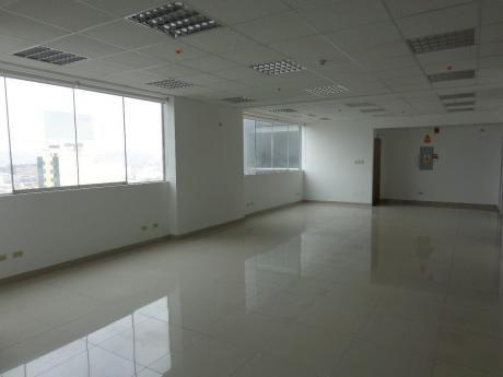 Surco, Oficina En Edificio Empresarial, 1 Ambiente 2 Cocheras