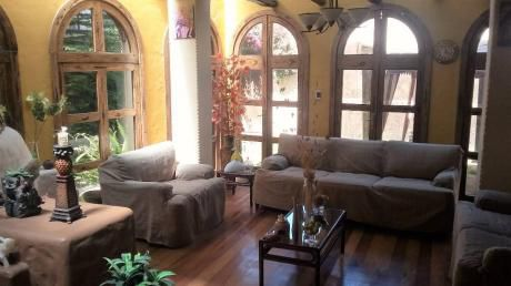 Alquilo Hermosa Casa Amoblada De Estilo Rustico Cerca Parque Lambramani