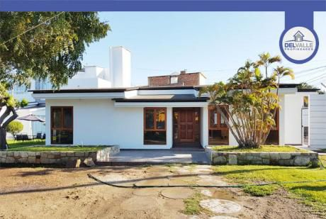 Alquiler De Casa En Piura | Urb. San Eduardo - At. 162 M2.