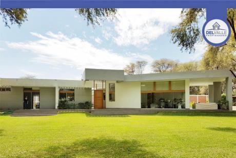Alquiler De Casa En Piura | Condominio Cerrado (at. 1200 M2.)