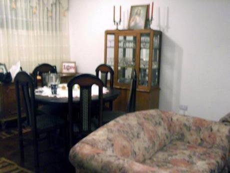 Venta De Casa De 2 Pisos / 4 Habitaciones /mas Aires Magdalena Del Mar