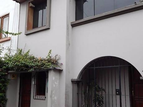 Excelente Casa A 1/2 Cuadra 28 De Julio