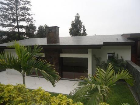 Hermosa Casa En Venta En Bellavista Surco -
