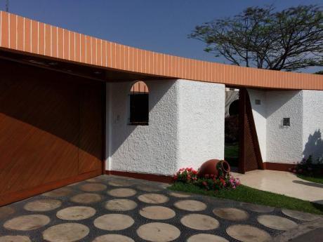 Hermosa Casa En Venta En La Molina