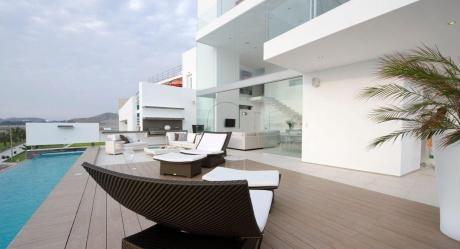 Preciosa Casa De Lujo En Playa El Golf