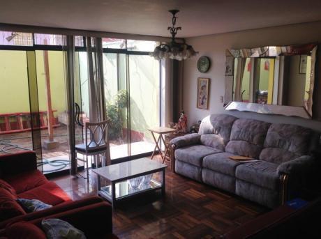 Venta De Bonita Casa En Santa Catalina La Victoria 450,000 Dólares Ofertable