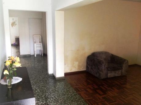 Venta De Amplia Casa Con Desniveles Y 2 Cocheras Magdalena 756,000 Dólares