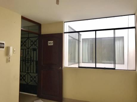 Alquilo Oficina Jr. Bolivar Cuadra 2 X Hospital Belen – Centro De Trujillo