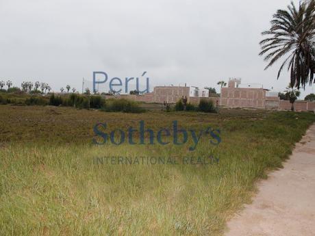 Terreno En La Encantada De Villa, Con Vista A La Cancha Del Club Del Golf.