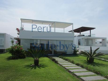 Moderna Casa Con Vista Al Mar En Segunda Fila Club Las Arenas, Asia