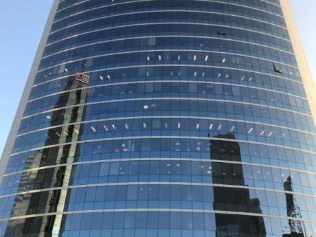 Alquilo Oficina Implementada Centro Financiero De San Isidro.
