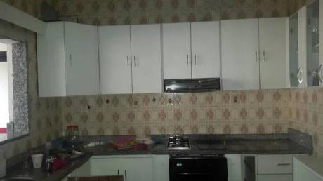 Casa Con 4 Dormitorios , Piscina En Asuncion