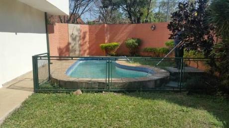 Casa De 3dormitorios Von Piscina Cercanías A Villa Morra X 7.000.000mm
