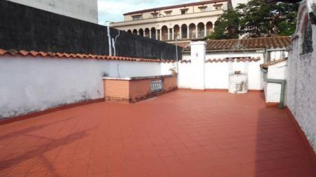 Vendo Casa En El Micro Centro Asuncion ! Con Salones !