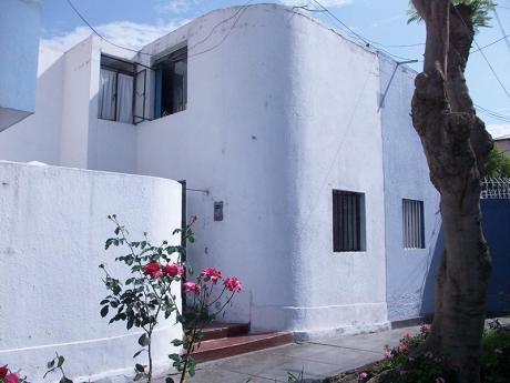 Trujillo, Albretch, Vendo Linda Casa 2 Pisos