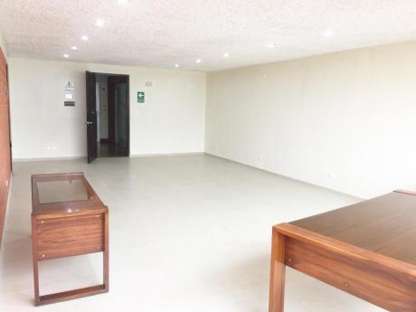 Oficina Recién Remodelada Y Muy Bien Ubicada A 3 Cuadras De Larcomar.