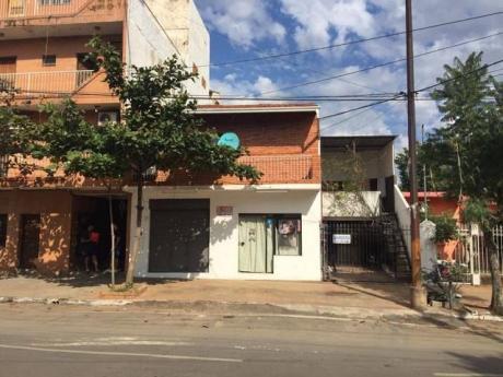 Vendo Casa Y Te Hace Ganar Dinero Mensual Zona Trinidad A Pasos De Todo.