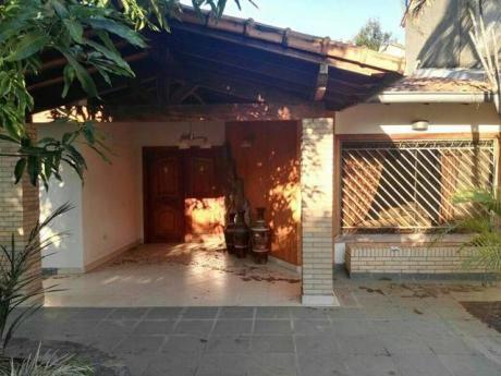 Alquilo Casa Totalmente Amoblado Zona Barrio Jara - Universidad Americana