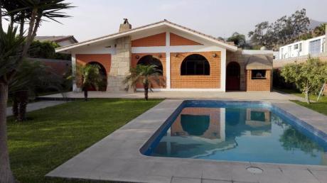 Venta De Casa Tipo Europeo Muy Buena Zona En La Molina