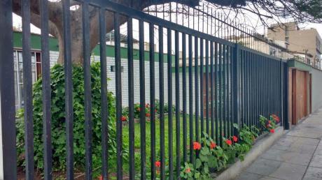 Vendo Casa Como Terreno En Urb. La Aurora Miraflores