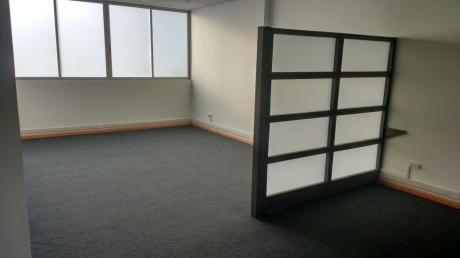 Alquilo Exclusiva Oficina + Cochera En Centro Financiero De San Isidro